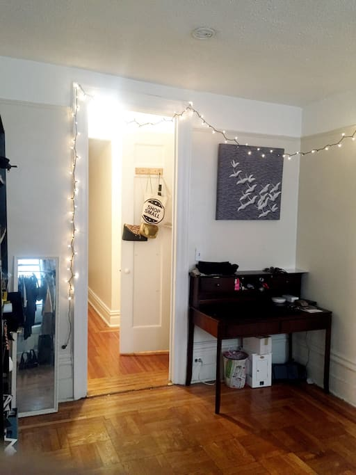 Uptown girl getaway apartments for rent in new york new york united states - New york girls room ...