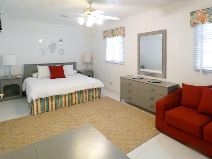 TreTel Home Away Suite #4