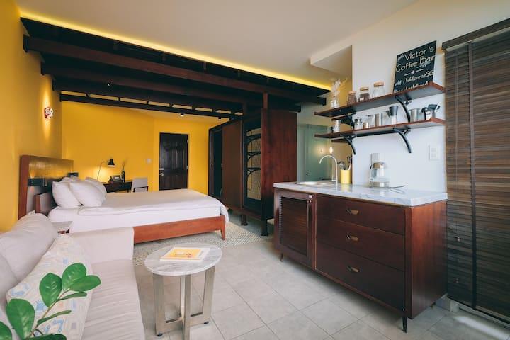 Hoi An Studio | Kitchen | Balcony by CIRCADIAN