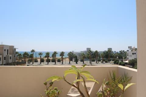 Sea view apartment 50m from a sandy beach