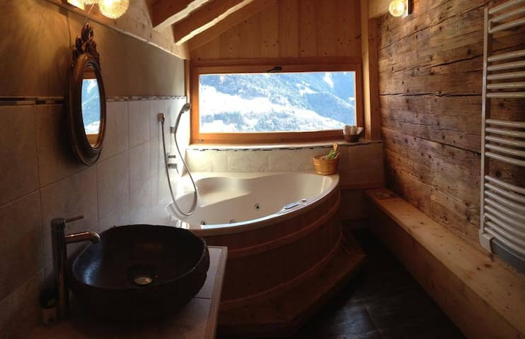 Typical Swiss Chalet with jacuzzi - Leysin - Chalupa