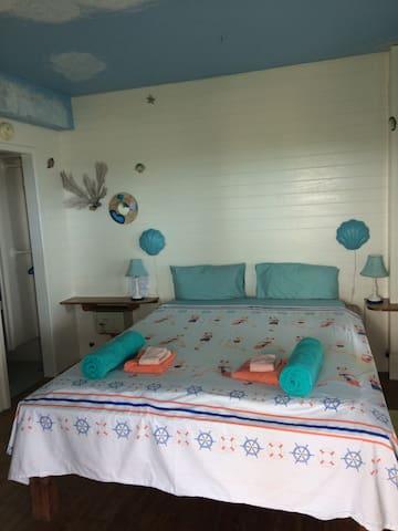 Guest Suite 1 (Fish Suite) bedroom