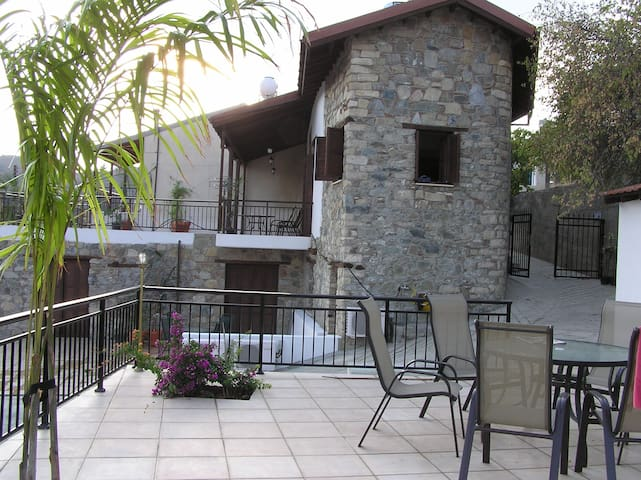 Cyprus Village House & Pool - Kalo Chorio - House