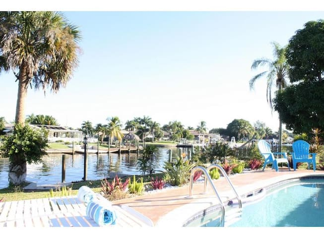 Villa Turtle Waterfront Canal Home with Pool