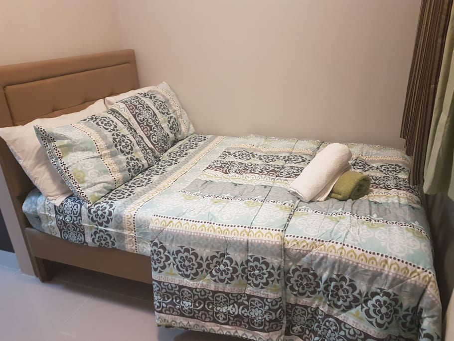 Semi double bed with headboard