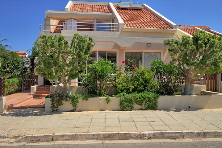 4 Bedroom villa in Protaras - Pernera - House