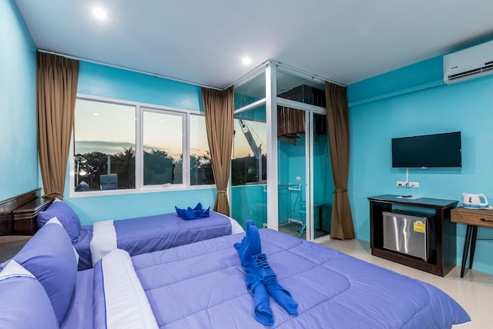 E Triple Deluxe, new room, nice style