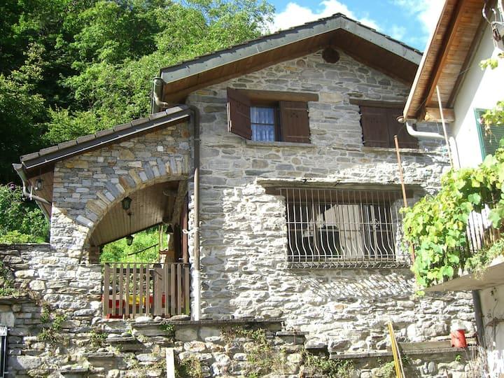 Casa Gianni Gianna - typischer Tessiner Rustico