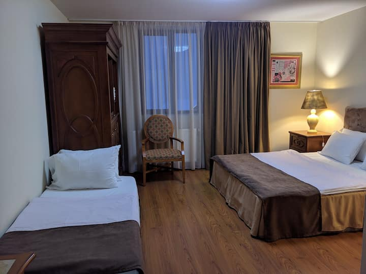 Shino Hotel - Triple Room with Balcony