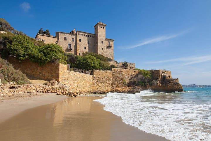 Cala Jovera/Castillo de Tamarit