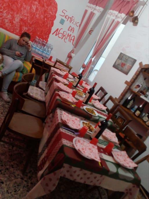 Sala da pranzo dell home restaurant Semplicemente da Norma