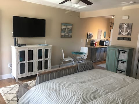 Beautiful Biloxi Getaway Beach Condo!