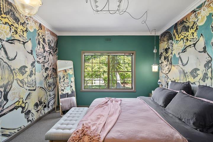 Large King Bedroom 2