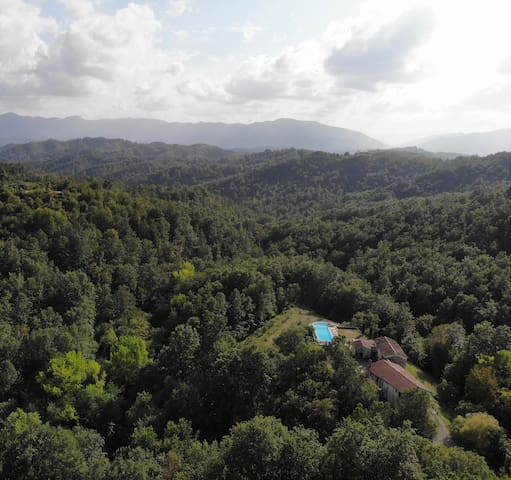 Surrounded by chestnut woods with wonderful views