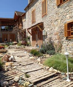 Çabuk's Stone House 1 - Mordoğan - Haus