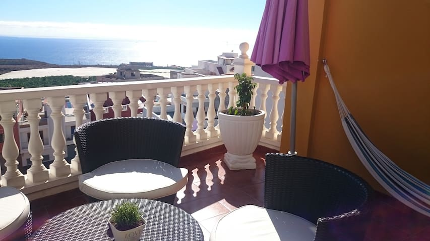 Holiday apartment with sea view - Armeñime
