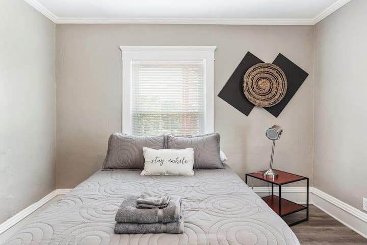 Martini Corner - The Gray Room - Beautiful Home