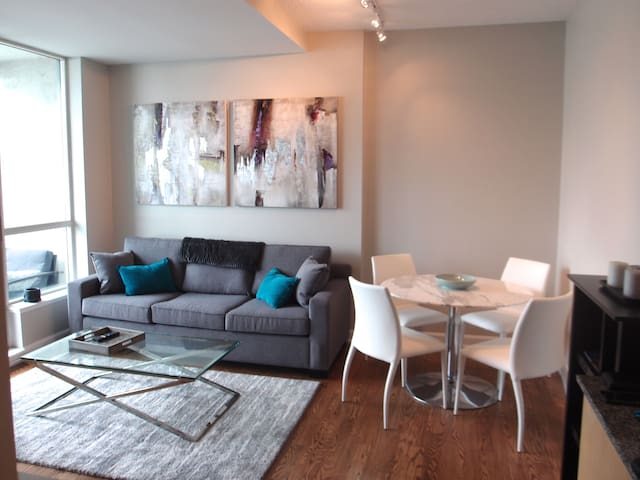 Toronto Downtown Waterfront Luxury Condo