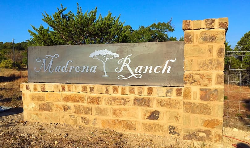 Madrona Ranch - 30 Private Acres - Dripping Springs - Maison