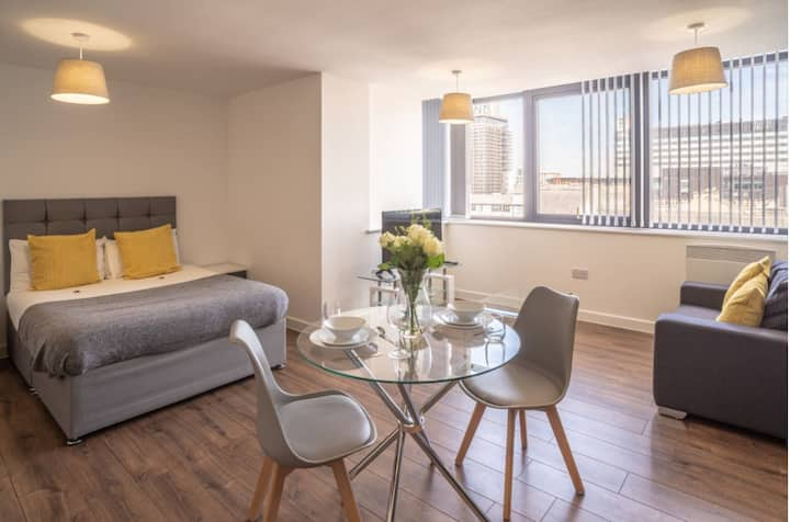 City Centre Modern Studio Apartment Liverpool