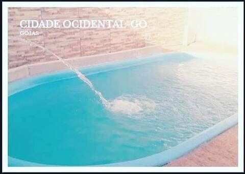 @Casa com lazer, piscina com aquecimento solar.