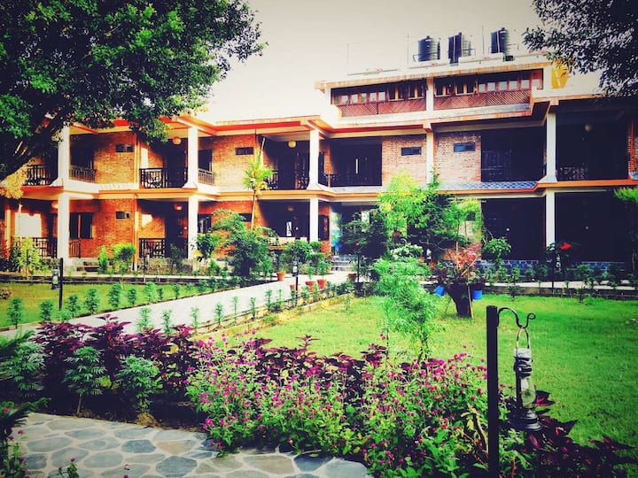 Chautari Garden Resort Deluxe single bed room