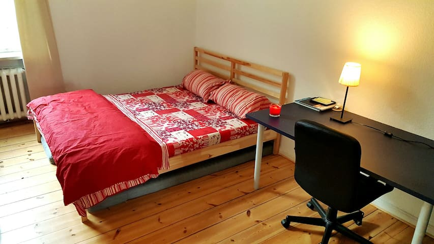 Charming and Spacious room in Charlottenburg! - Berlin