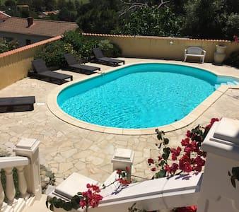 Villa de charme avec piscine privee