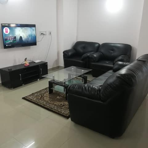 Home Stay 2 ~ 4 Km Airport ~ 2 Km City Center