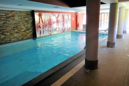 T2, piscine, labellisé 4 oreillers/Confort+