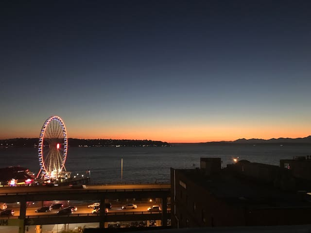 Waterview Apartment near Pike Place Market