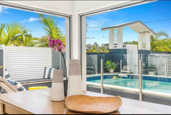 Aloha studio apartment in top rating property