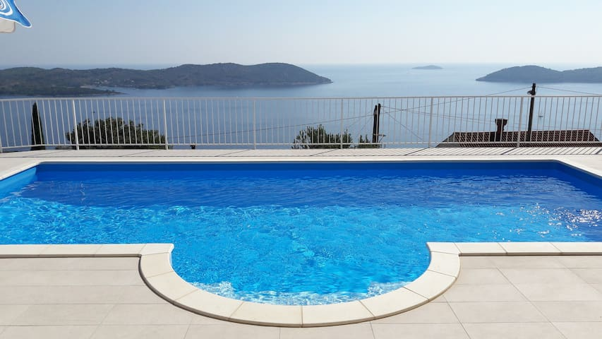 Spacious holiday home Gina - with pool, for 8 - Orašac - บ้าน