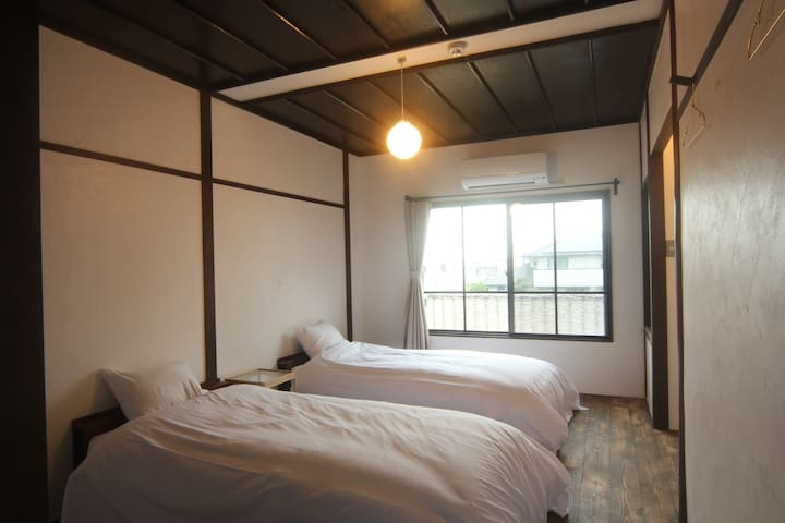 【新規OPEN ! !】淡路島西海岸の宿 梅木屋 ツインルームうずら 砂浜まで徒歩5分
