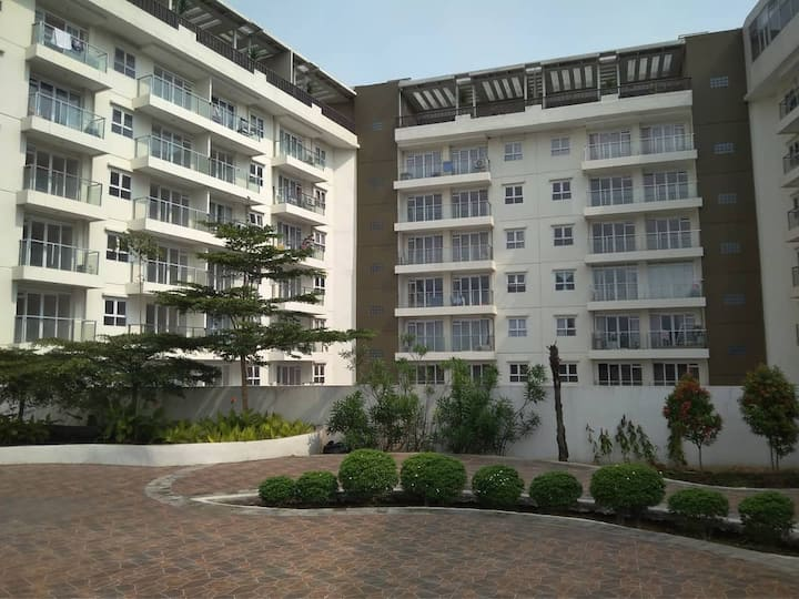 Topaz C Gateway pasteur Apartment by Kevin