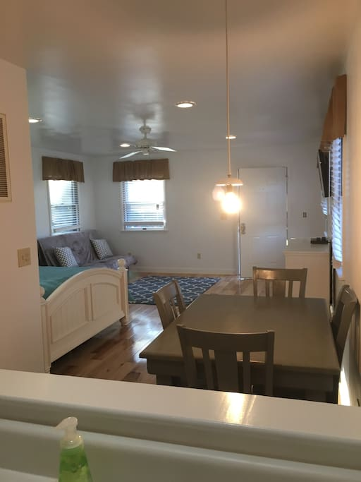 Bright cottage with open floor plan.  Full Kitchen, bathroom and washer and dryer.
