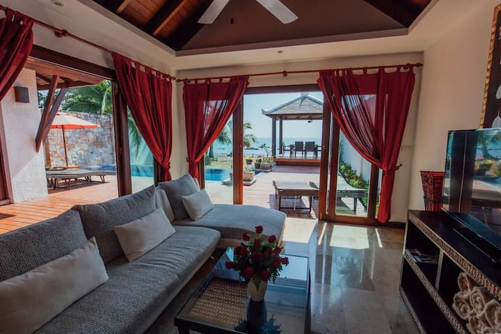 discount! Beachfront Villa 3BR Private Pool