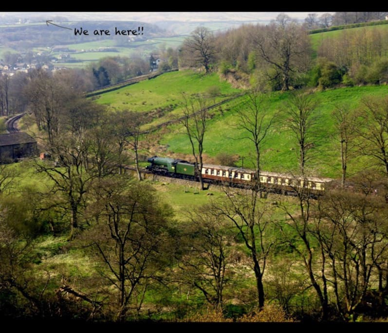 The Flying Scotsman as it approaches Oxenhope station from Haworth.