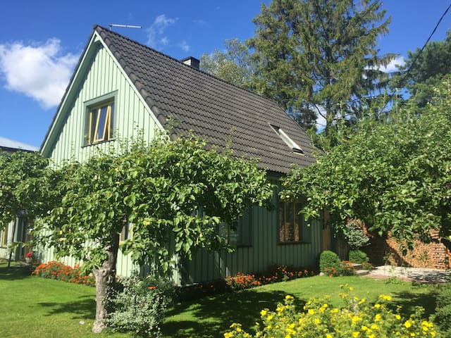 Full 2nd Floor of a Charming House with a Terrace - Pärnu - Inny