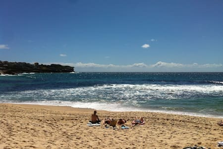 Come live the beach  @ Bronte Beach