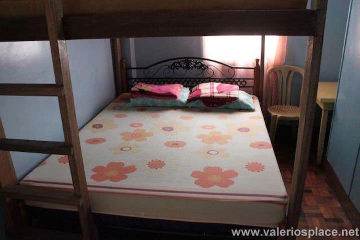Clean family rooms near Baguio City - Baguio City - House