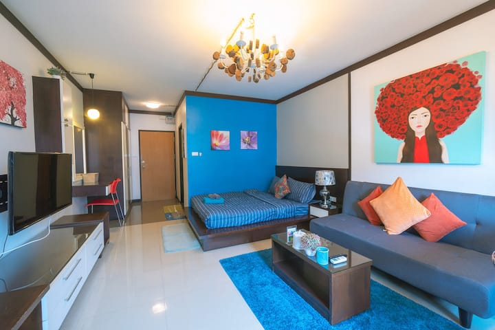 Studio with fully furnished