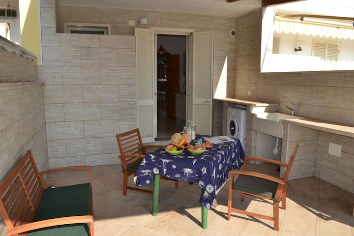 Cosy Apartment Near the Beach with Patio & Balcony; Pets Allowed; Parking Available