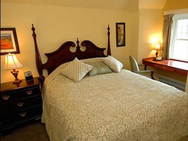 King George Room at The Clocktower Inn