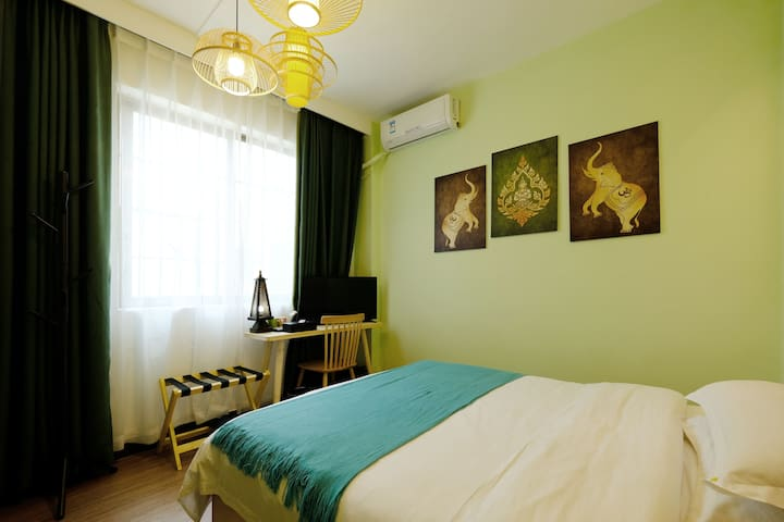 广州南站/长隆/东南亚1.5米大床房