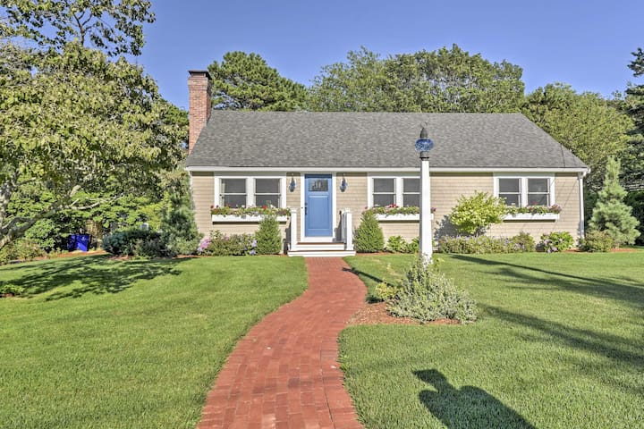 NEW! Charming 4BR Pocasset House - Walk to Beach!