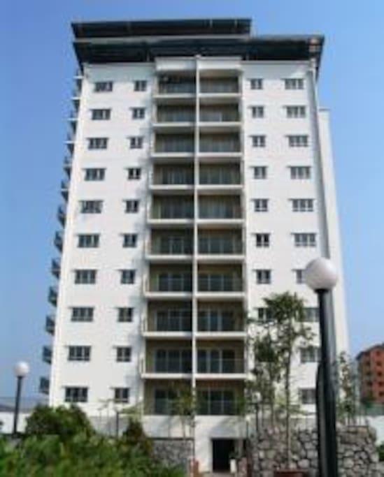 Strategically located and is accessible through the infamous Jalan Jelatek, Jalan Ampang or Jalan Tun Razak.