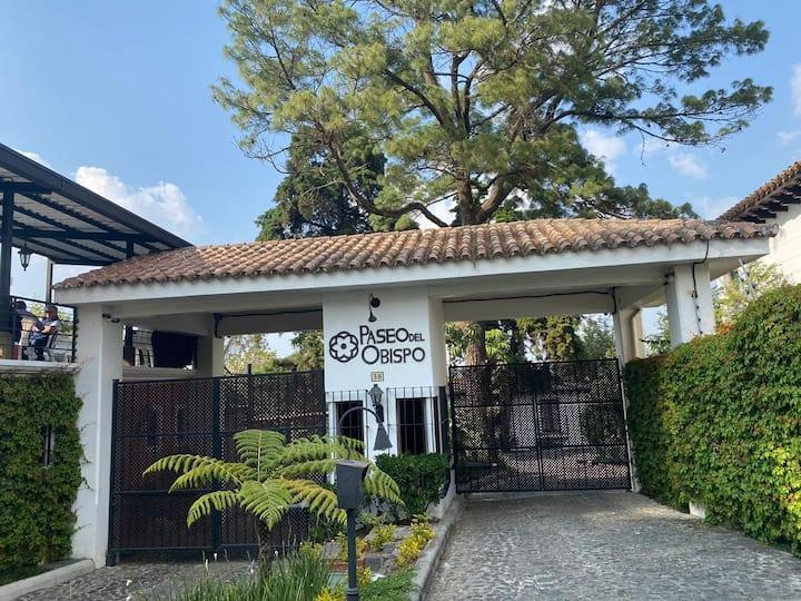 Acogedora Casa Familiar Cerca de Antigua Guatemala