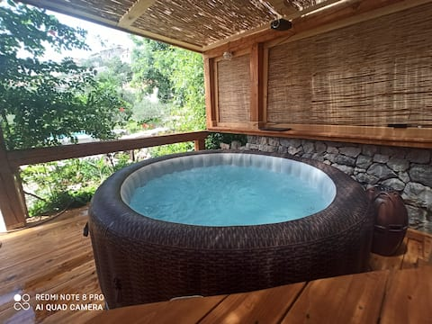 2BApartment  PRIVATE pool,jacuzzy,terrace,grill