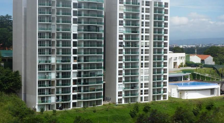 Private& Cheapest Apartment on amazing Condominion - San José - Apartment